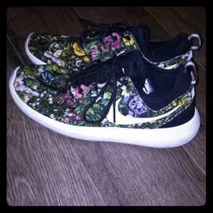 nike roshes (limited edition flower print)